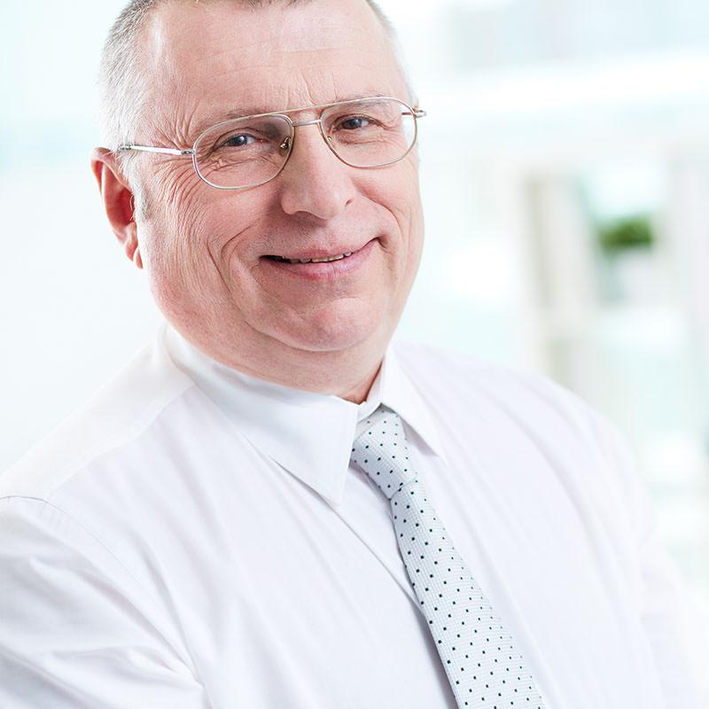 Dr. José Campos Martínez